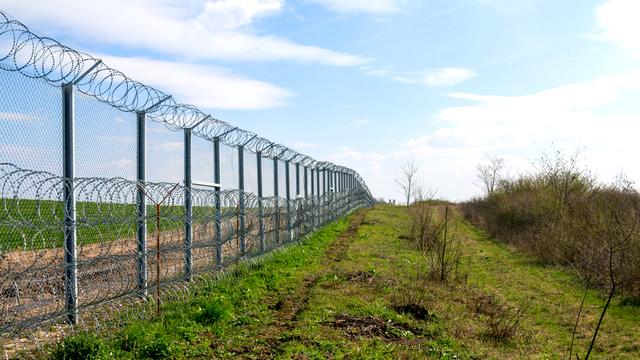 Frontière entre la Hongrie et la Serbie